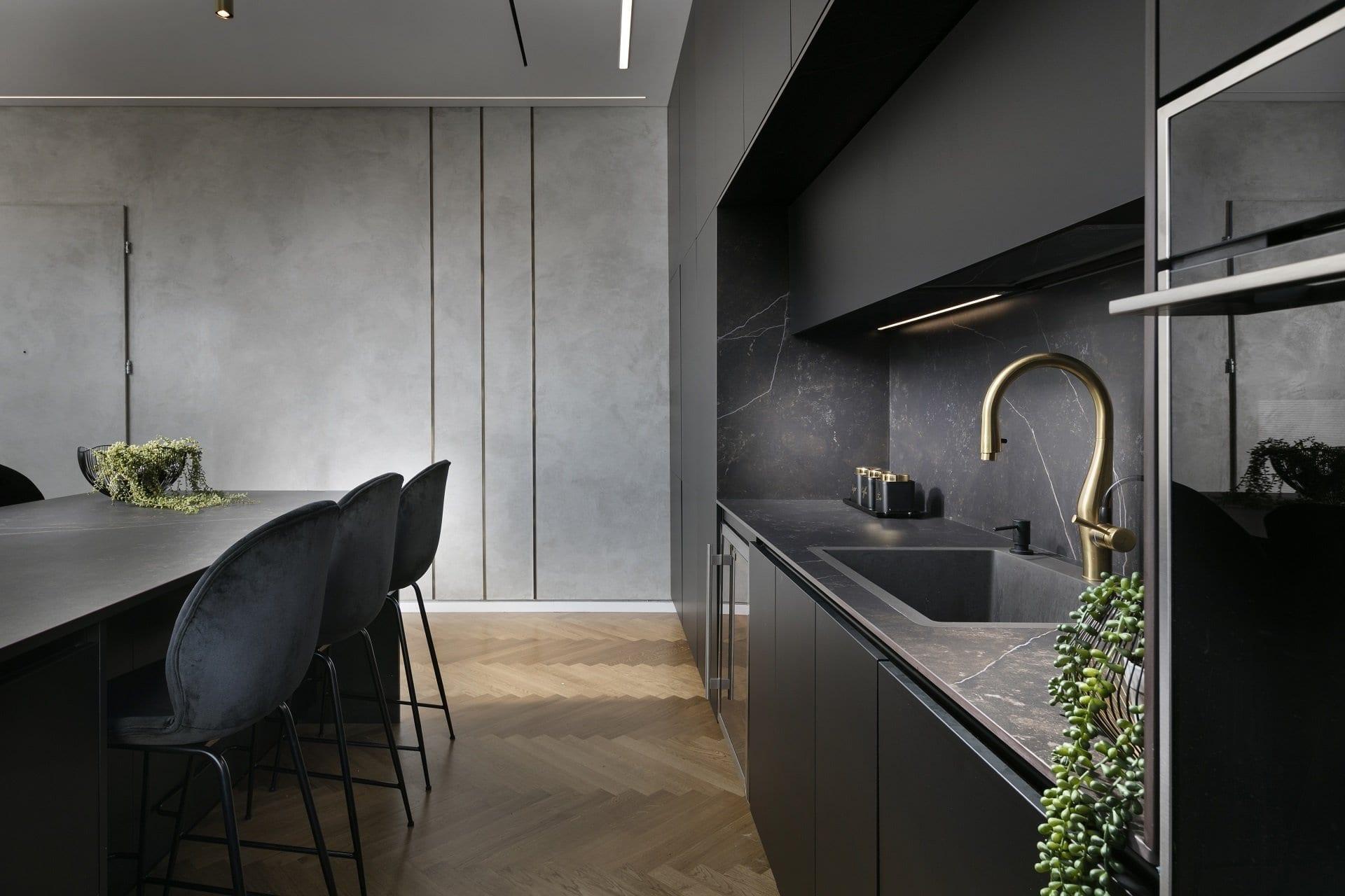 מטבח פורמייקה שחור מט - Semel Kitchens
