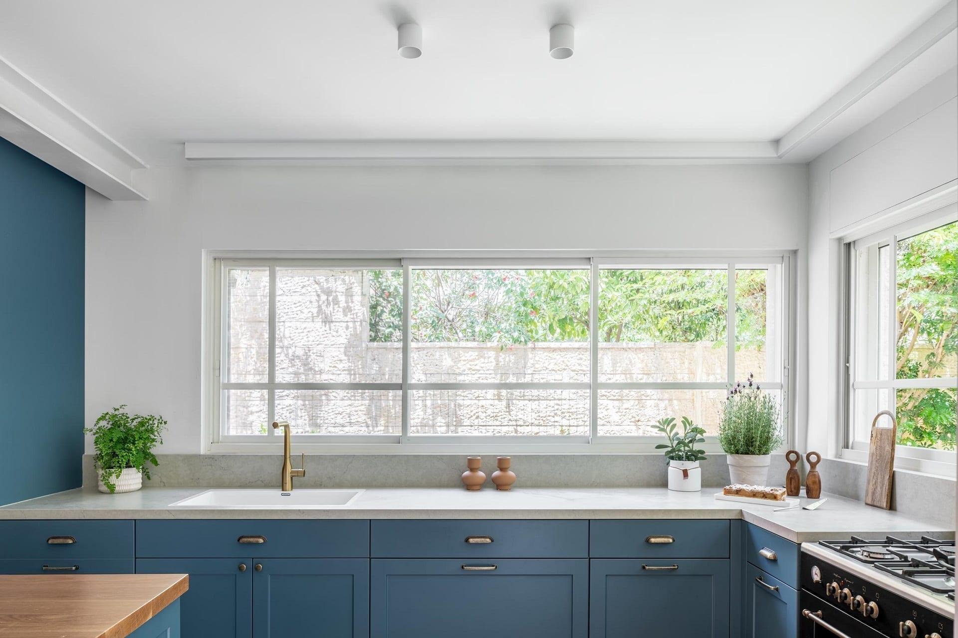 מטבח כחול - Semel Kitchens